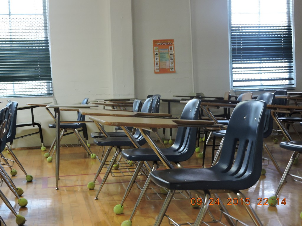 An old classroom in the basement of Anna Hiss. While it is no longer in use, it is still fully furnished.