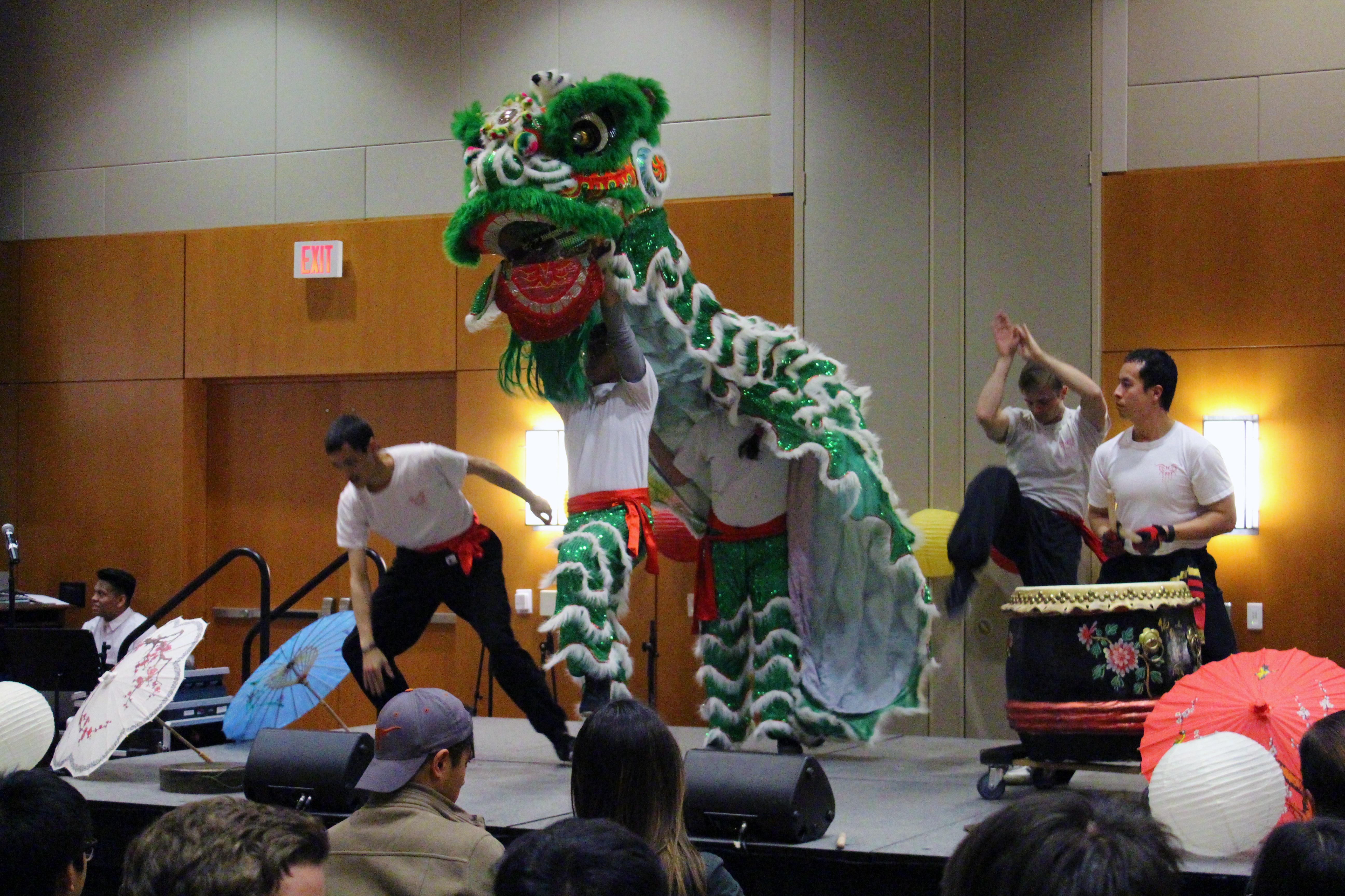 Texas Dragon/Lion Dancers